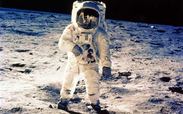 Her Kelimenin Bir Hikâyesi Var: Astronot 1