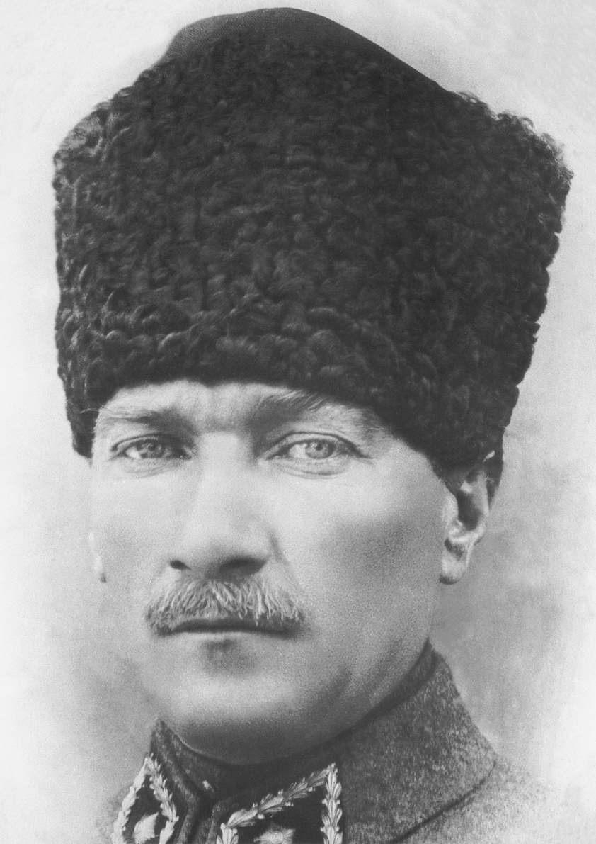 Atatürk bizden biridir 4